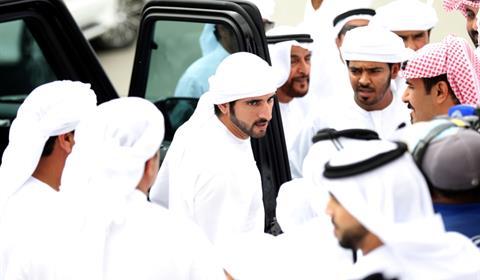 حمدان بن محمد يشهد سباقات الرموز للقبائل