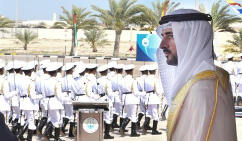 حمدان بن محمد يشهد تخريج دفعة جديدة من مرشحي ضباط كلية راشد بن سعيد آل مكتوم البحرية