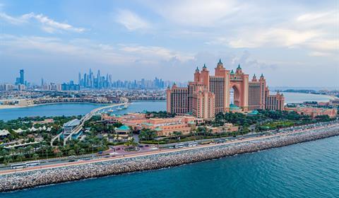 الشيخ حمدان مكتبة الوسائط - حمدان بن محمد:  دبي تقود تعافي حركة السياحة العالمية