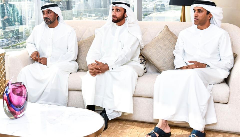 حمدان بن محمد يستقبل السفير الكندي