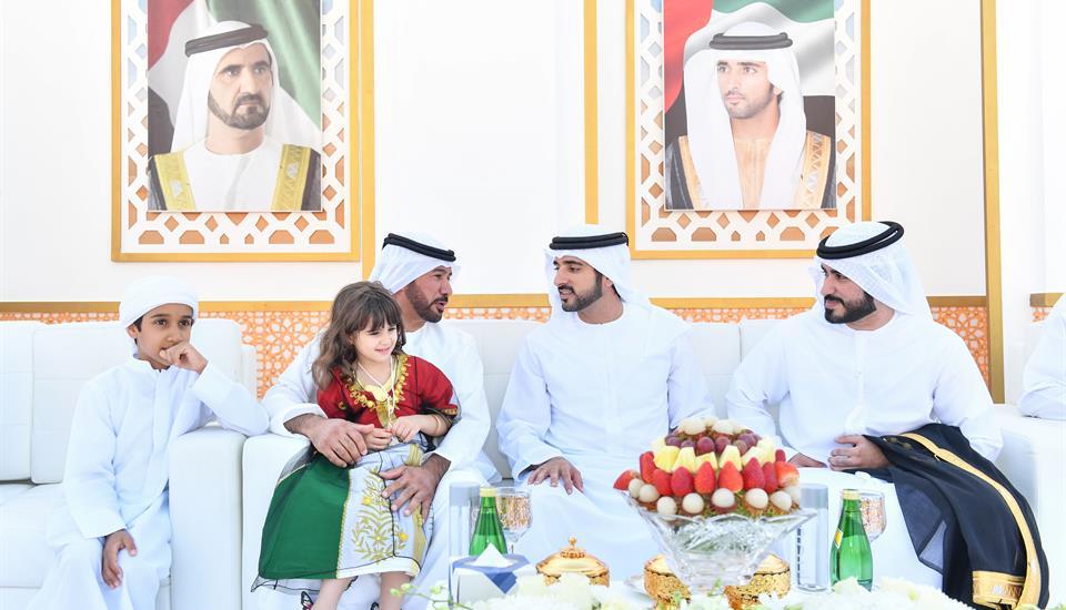 حمدان بن محمد يحضر أفراح المطيوعي والمزروعي بدبي