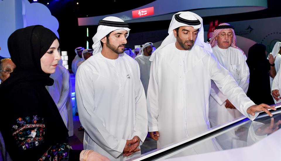 """حمدان بن محمد يشهد ملتقى """"هيلث تشين"""" منظومة التطوير الصحي في دبي"""