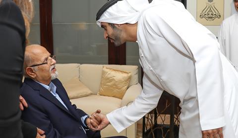 """حمدان بن محمد يكرّم مجموعة """"لاند مارك"""" الفائزة بجائزة البصمة الرياضية"""