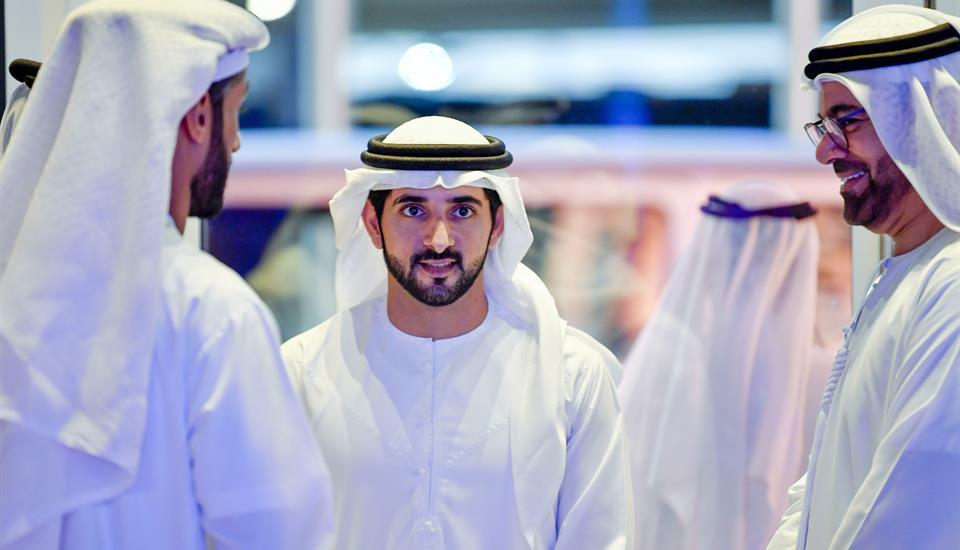 """حمدان بن محمد يفتتح بطولة العالم للروبوتات والذكاء الاصطناعي """"فيرست جلوبال"""""""