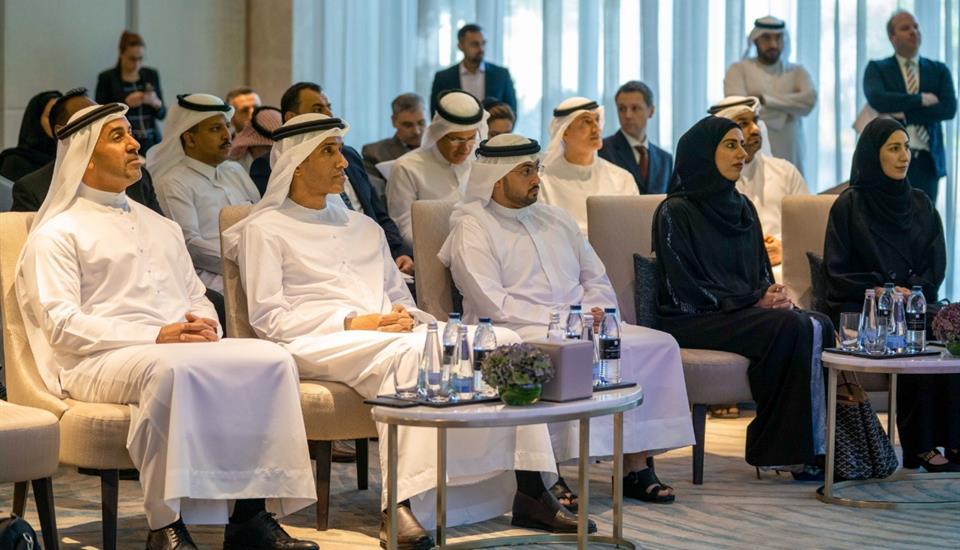 """حمدان بن محمد: """"الابتكار والتوظيف الأمثل للتقنيات الحديثة والبيانات أساس بناء مدن المستقبل"""""""