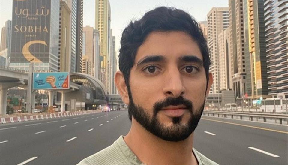 """حمدان بن محمد يتقدَّم 70 ألف مشارك في """"تحدي دبي للجري"""""""