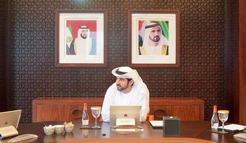 """حمدان بن محمد: """"تجارة دبي الخارجية 1.02 تريليون درهم في الأشهر التسعة الأولى من 2019"""""""