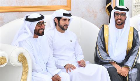 حمدان بن محمد يحضر أفراح الأحبابي والسبوسي