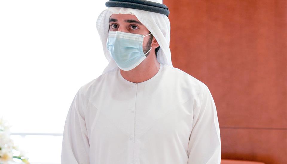 حمدان بن محمد يتفقد المرافق الأمنية والخدمية ويلتقي الفرق العاملة في أول أيام عيد الفطر المبارك