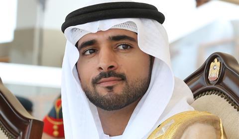 حمدان بن محمد يشهد تحديات رموز الحول والزمول في ختامي المرموم للهجن